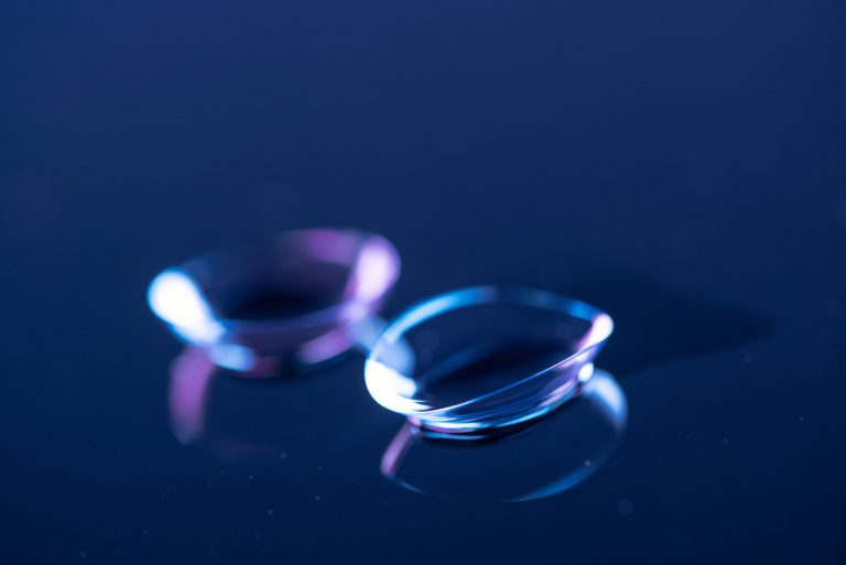 Pros and Cons of Daily and Monthly Contact Lenses